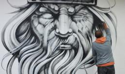 writer, graffiti artist, dubai, UAE, in action