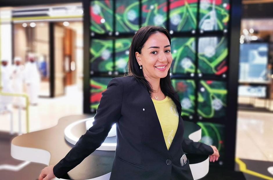 Montblanc hostess, trolleywall, pop up store, dubai mall,